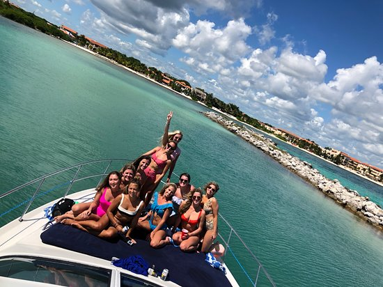 Make The Most Out Of Your Yacht Bachelorette Party!
